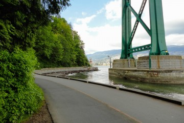 Stanley Park Seawall - Lions Gate Bridge